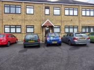 Flat to rent in WOODCOTE SIDE, Epsom...