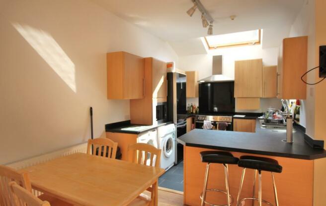 kitchen 108L.jpg