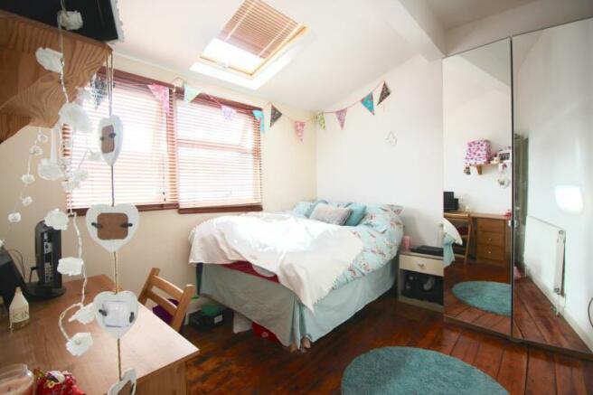 bedroom 5 108L.jpg