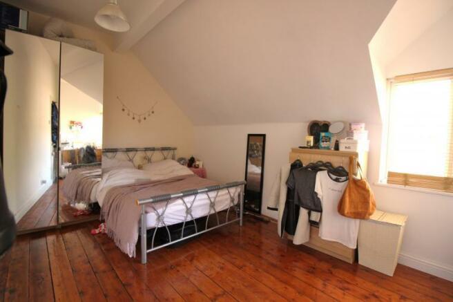 bedroom 6 108L.jpg