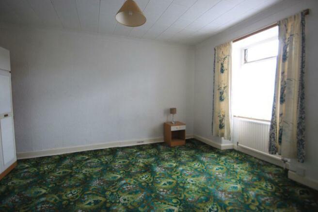 flat bedroom 1