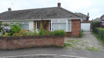 2 bedroom Semi-Detached Bungalow in Elizabeth Close...