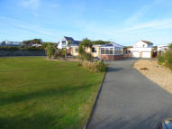 Detached Bungalow for sale in Lon Isallt, LL65