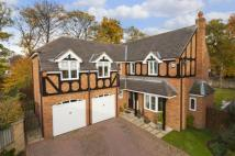 Detached home in Oaklands Close...