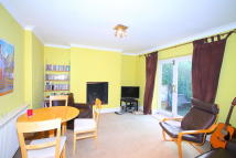 Ground Flat to rent in Northchurch Road...