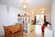 3 bedroom Ground Flat in Cottrill Gardens Marcon...