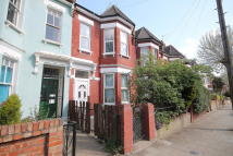 8 bed Terraced house to rent in Mildenhall Road Hackney...