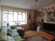 3 bedroom Ground Flat to rent in Park View...