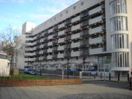 Apartment to rent in Napoleon Road Hackney...