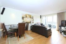 2 bedroom Penthouse to rent in Aldermans Hill Palmers...