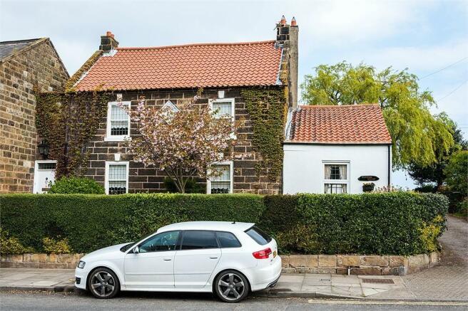 5 Bedroom Detached House For Sale In High Street Skelton