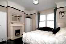 Flat to rent in Dunstans Road, London...