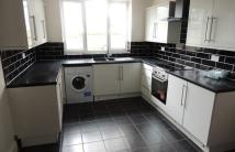 2 bedroom Flat to rent in Lower Road, Kenley, CR8