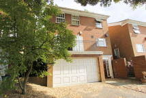 4 bed Town House to rent in Warren Road, Purley, CR8