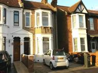 4 bedroom property in Park Aveunue, Barking,