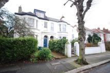 Flat to rent in Avenue Gardens, Acton, W3