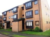 Flat to rent in Beardsley Way, Acton, W3