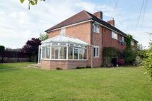 4 bedroom semi detached house in Framlingham Road...