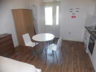 Studio apartment in Coventry Road, Ilford...