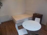 Studio apartment to rent in Coventry Road, Ilford...