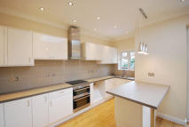 4 bedroom semi detached home to rent in Ashley Lane, London, NW4