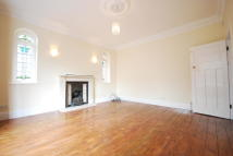 5 bed semi detached house to rent in St. Andrews Road, London...