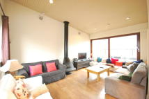 3 bedroom Flat to rent in Shorts Gardens, London...