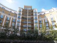 Flat to rent in Palgrave Gardens, London...