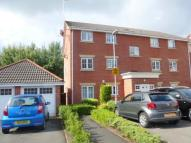 2 bedroom Flat in Brookhey, Hyde, SK14