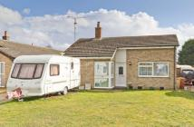 2 bedroom Detached Bungalow in Old Vicarage Park...