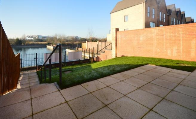 3 bedroom semi detached house for sale in the residence