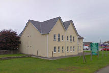 2 bed Flat in Station Road, Penclawdd...