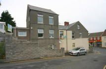 Maisonette to rent in Neath Road, Morriston...