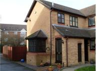 2 bed semi detached house to rent in Lamplighters Close...