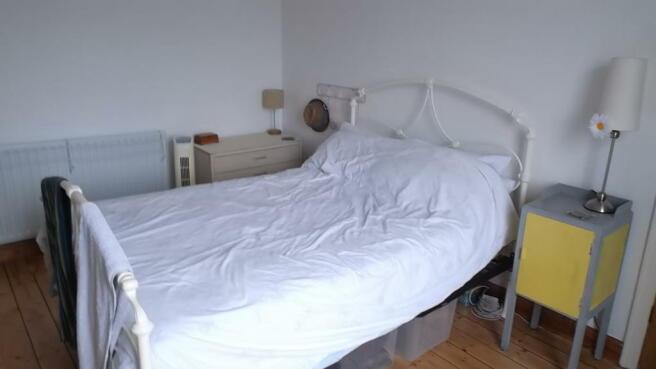 bedroom 1 v3.JPG