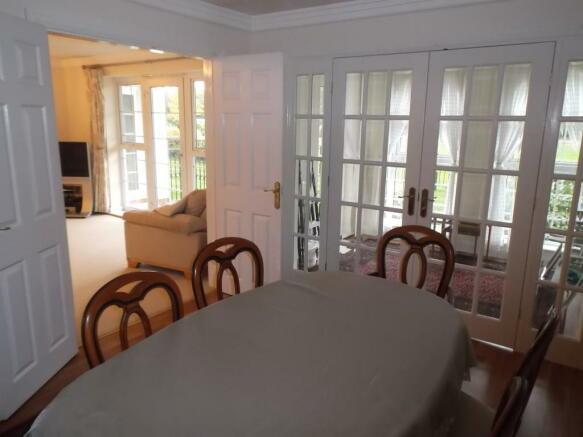dining room v2.JPG
