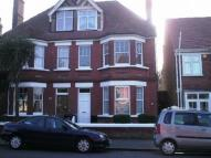 Maisonette to rent in Northdown Park Rd-...