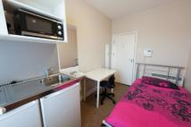 Studio flat to rent in 138 Cromwell Road...