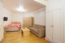 Studio apartment to rent in Chelsea Cloisters...