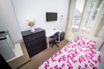 Studio flat in Cromwell Road, London...