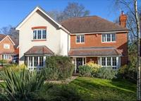 property to rent in Howards Wood Drive, Gerrards Cross, Buckinghamshire, SL9