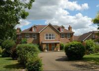 property to rent in Stoke Park Avenue, Farnham Royal, Slough, Buckinghamshire, SL2