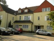 3 bed Flat to rent in Burgh Heath Rd, Epsom