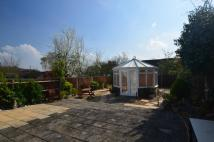 1 bed property in West Ewell, Surrey