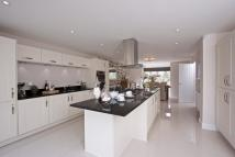 4 bed new house in Cirencester Road...