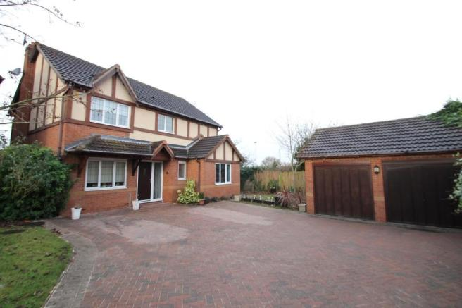 4 bedroom detached house for sale in selker drive amington fields tamworth b77