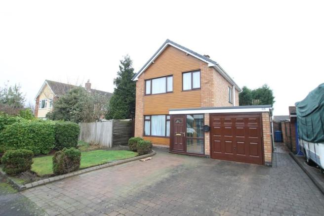 3 bedroom detached house for sale in claremont road tamworth b79