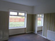 3 bed Flat to rent in 76 Bearford Drive...