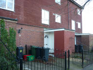 Maisonette to rent in Brecon Way, Winsford...
