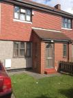 2 bedroom semi detached house to rent in Eastcroft Road...